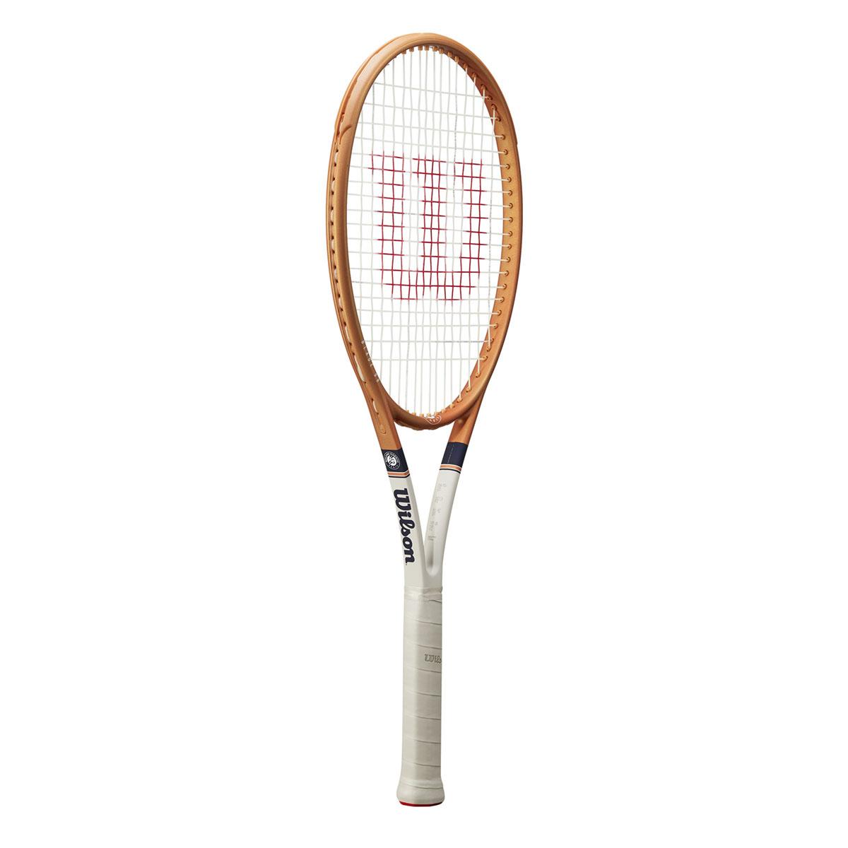 WR068611U_1_Blade_98_16x19_Roland_Garros_OR_BU_GY.png.cq5dam.web.2000.2000