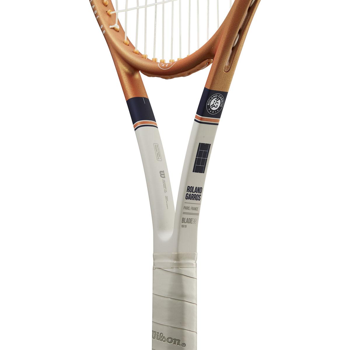 WR068611U_5_Blade_98_16x19_Roland_Garros_OR_BU_GY.png.cq5dam.web.2000.2000